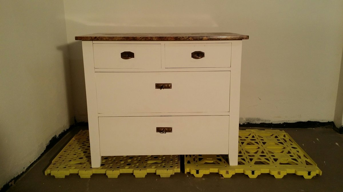 Commode, Chest of drawers